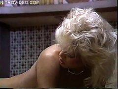 კლასიკური seqsi pozebi porn flick-დან 80-ის სამი
