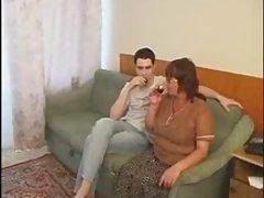 მომწიფებული, არაბული გოგონა და მისი ბოიფრენდი