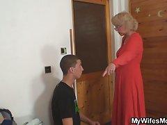 Rusebis seqsi ცოლი აღმოაჩენს, რომ მისი კაცი ხარ დედა